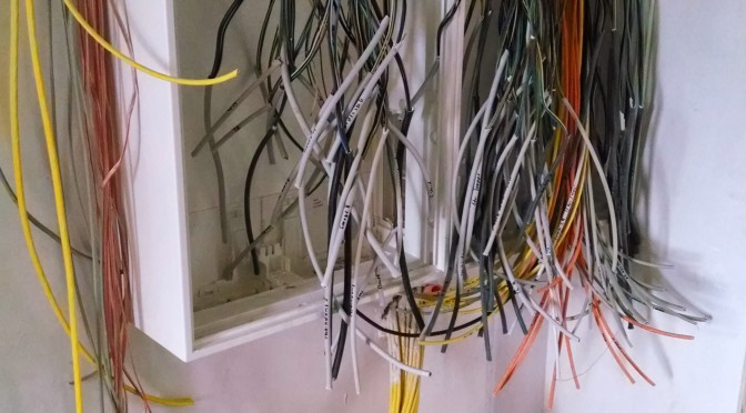 Loxone Verkabelung – oder auch Kabelkampf!